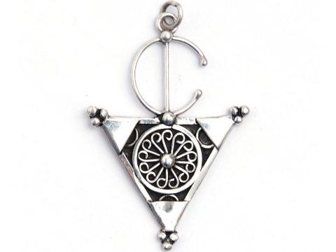 Pandantiv fibulă triunghi Tiznit, argint și filigran, Maroc