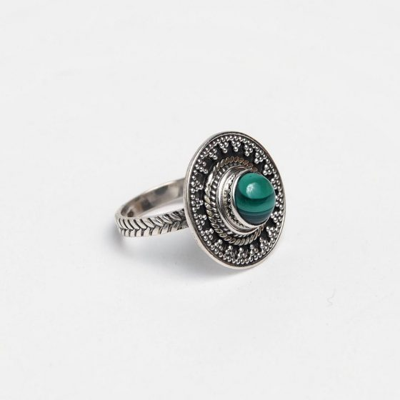 inel rotund din argint antichizat si malachit