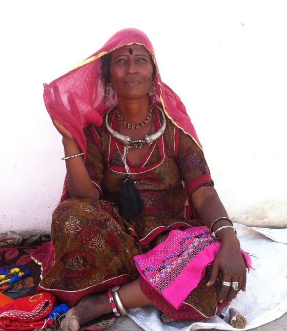 frumusetea si bijuteriile portului indian traditional