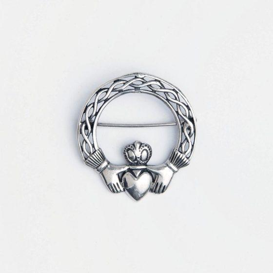 Brosa din argint cu simbolul celtic al iubirii Claddagh