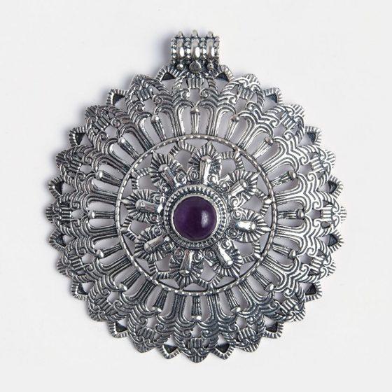 pandantiv indian cu ametist, lucrat de artizani bijutieri traditionali
