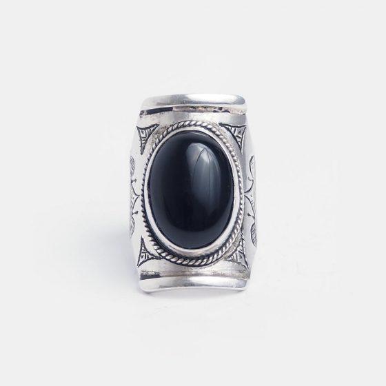 inel argint cu onix negru, lucrat in niger, simbol al zodiei leu