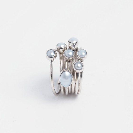 inel din argint cu perle, simbolul puritatii si al zodiei rac