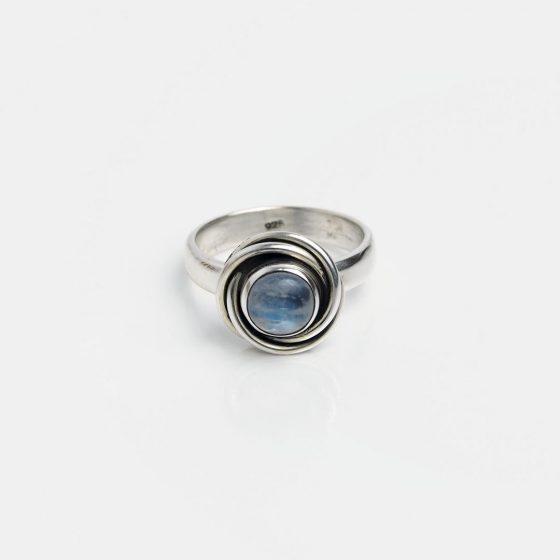 inel indian din argint cu piatra lunii