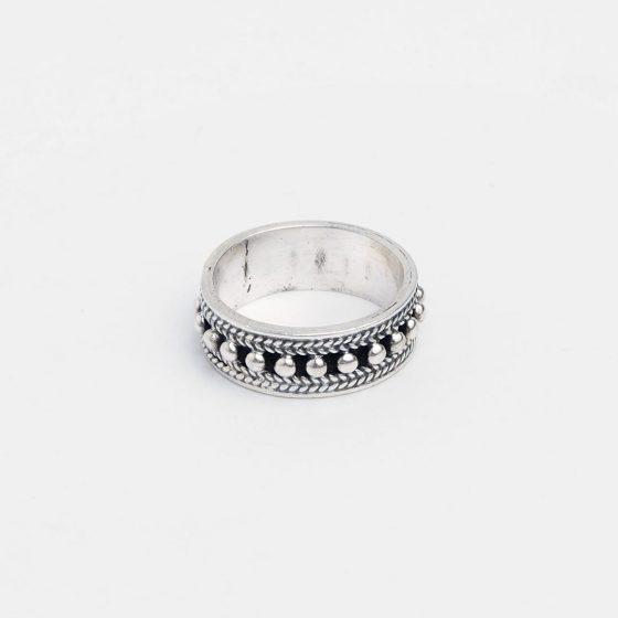 Inel indian din argint, o bijuterie cadou pentru femei in luna martie