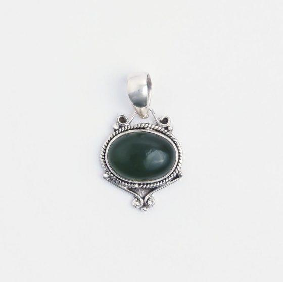pandantiv cu agata verde, piatra norocoasa a mai multor zodii