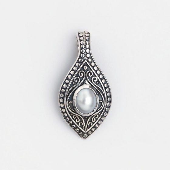 Pandantiv din argint cu perla, piatra norocoasa a zodiei gemeni