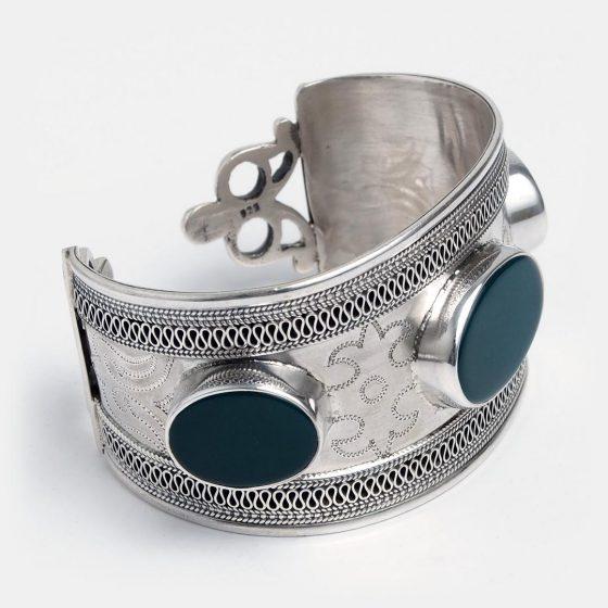 Bratara lata din argint si pietre de agat verde, lucrata manual in Afganistan