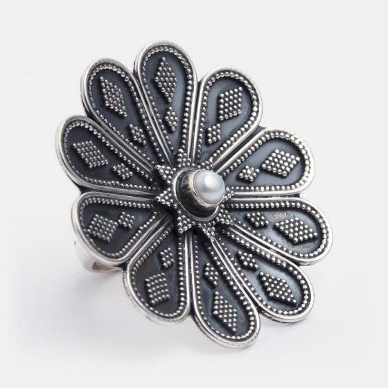 Inel unic cu perla, o piatra plina de legende si semnificatii