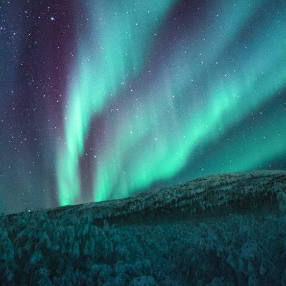 despre labradorit si proprietatile sale, piatra aurorei boreale