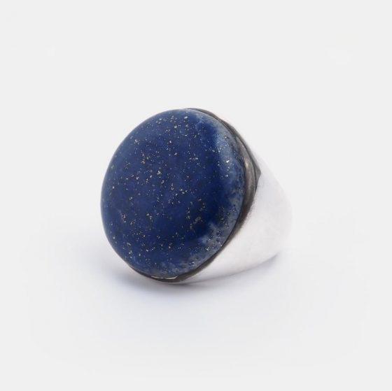 Inel statement din argint si lapis lazuli, o bijuterie lucrata manual in India pentru Metaphora
