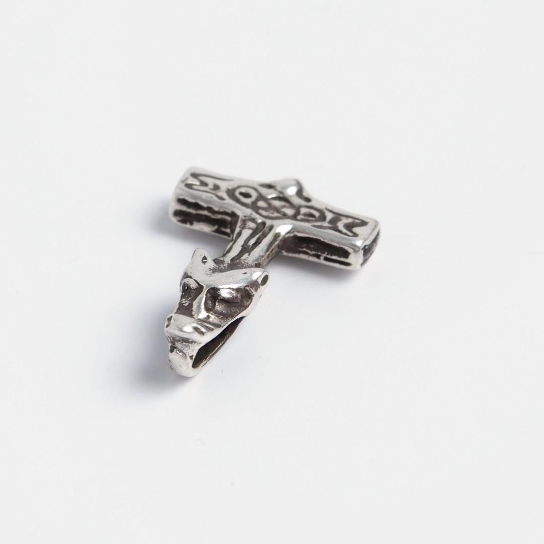 Amuletă Ciocanul lui Thor cu cap de lup, argint, șnur negru