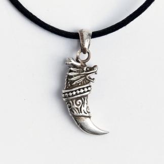 Amuletă colț de dragon, argint, șnur negru