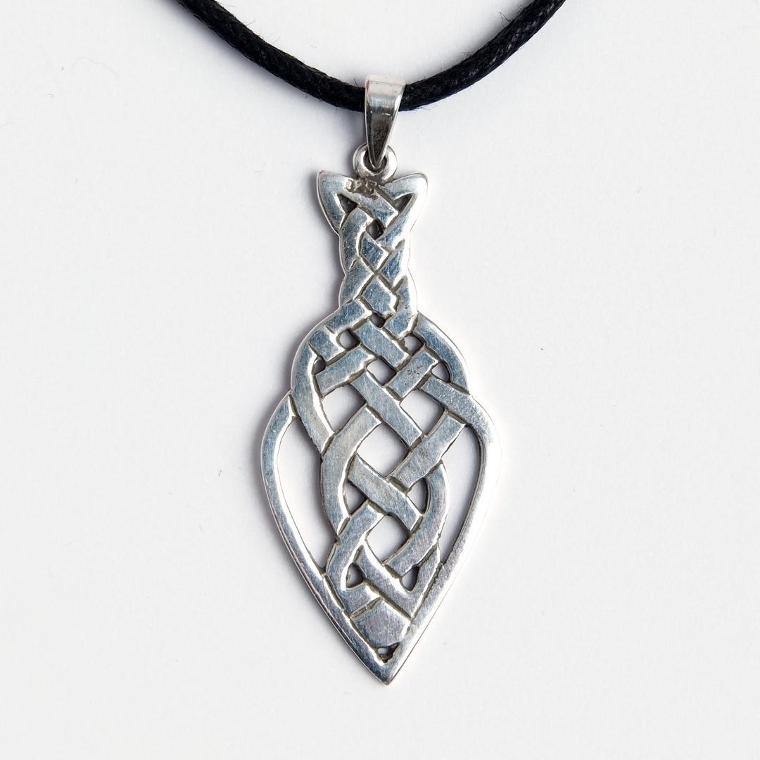 Amuletă pește nod celtic, argint