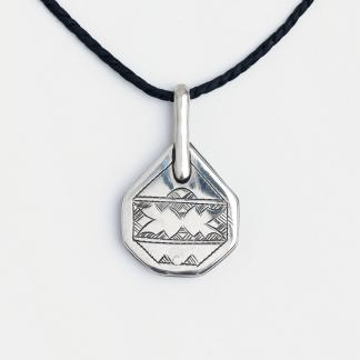 Amuletă tuaregă Draa, argint și lemn de abanos, Niger