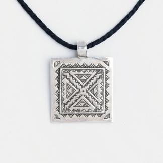 Amuletă tuaregă Tagwizult, argint, șnur de piele, Niger