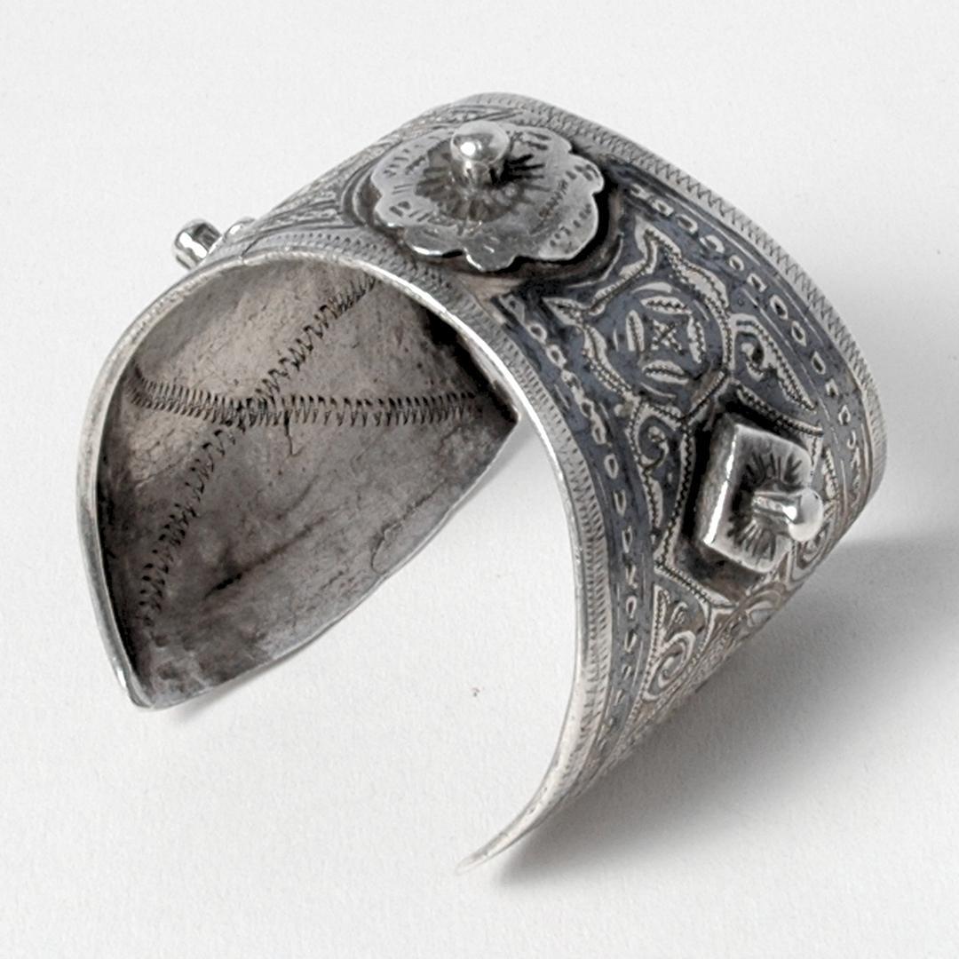 Brățară berberă azbeg, argint și niel, sec. XX