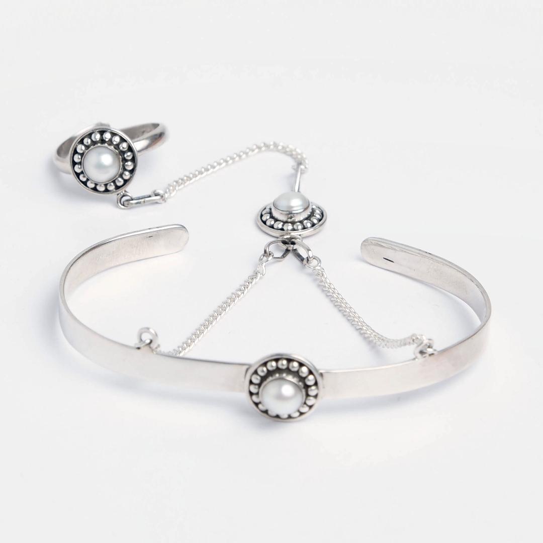 Brățară cu inel Hathphool, argint și perle de cultură, India