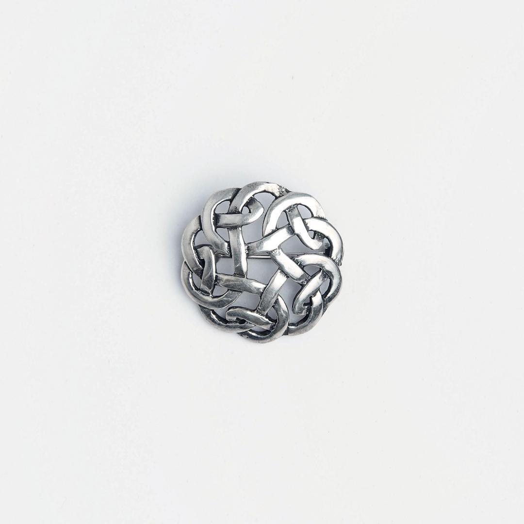 Broșă argint rotundă simbol nod celtic