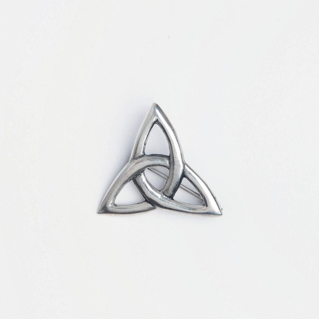 Broșă argint simbol celtic triskelion