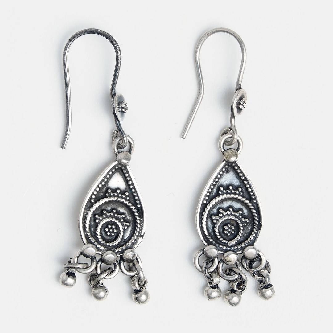 Cercei din argint cu ciucurași, India