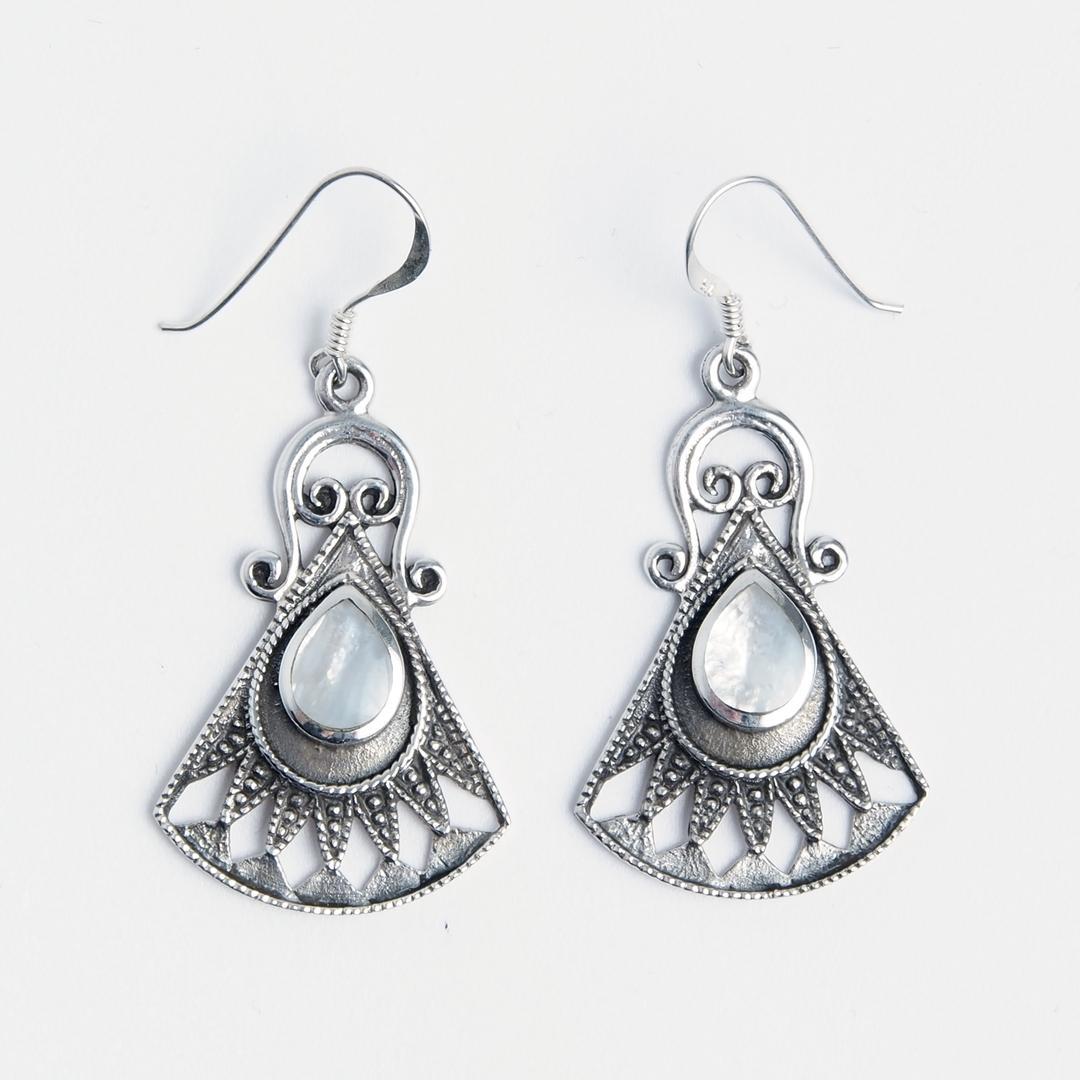 Cercei evantai, argint și sidef, India