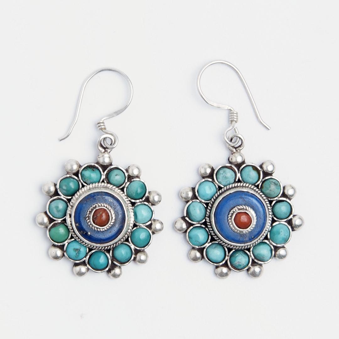 Cercei mandala Langtang, argint, turcoaz tibetan, lapis lazuli și coral, Nepal