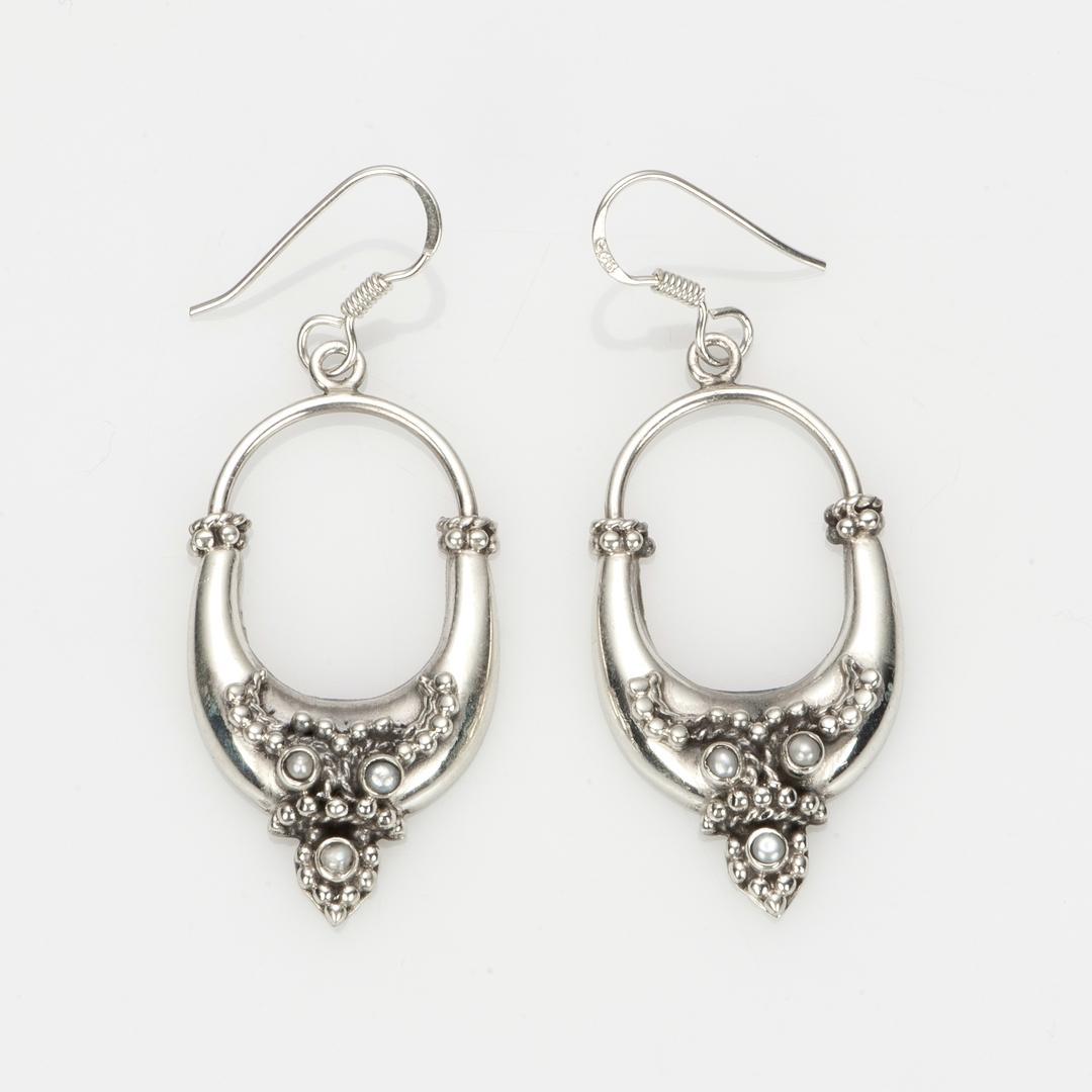 Cercei ovali, floricele, argint și perlă, India