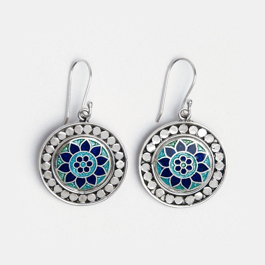 Cercei rotunzi din argint Kamal cu email albastru și turcoaz, India