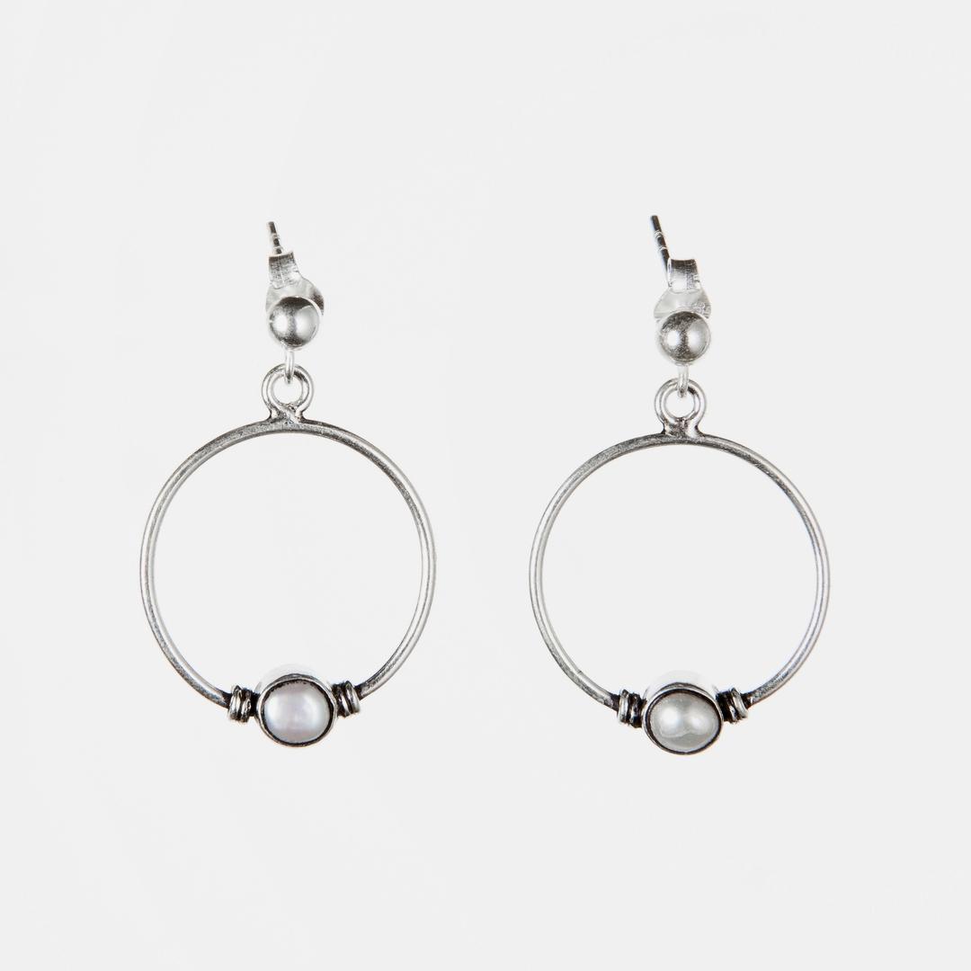Cercei rotunzi, biluță perlă, argint, India