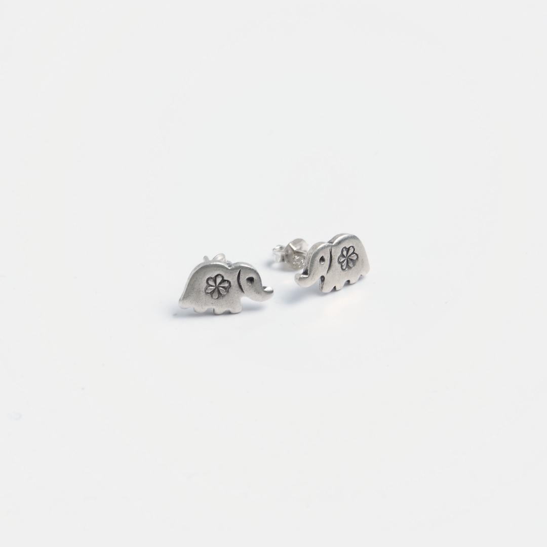 Cercei cu șurub elefănțel, argint, Thailanda
