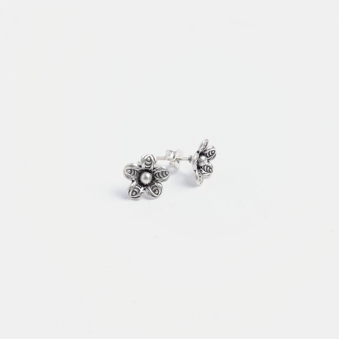 Cercei cu șurub floricică Chong, argint, Thailanda