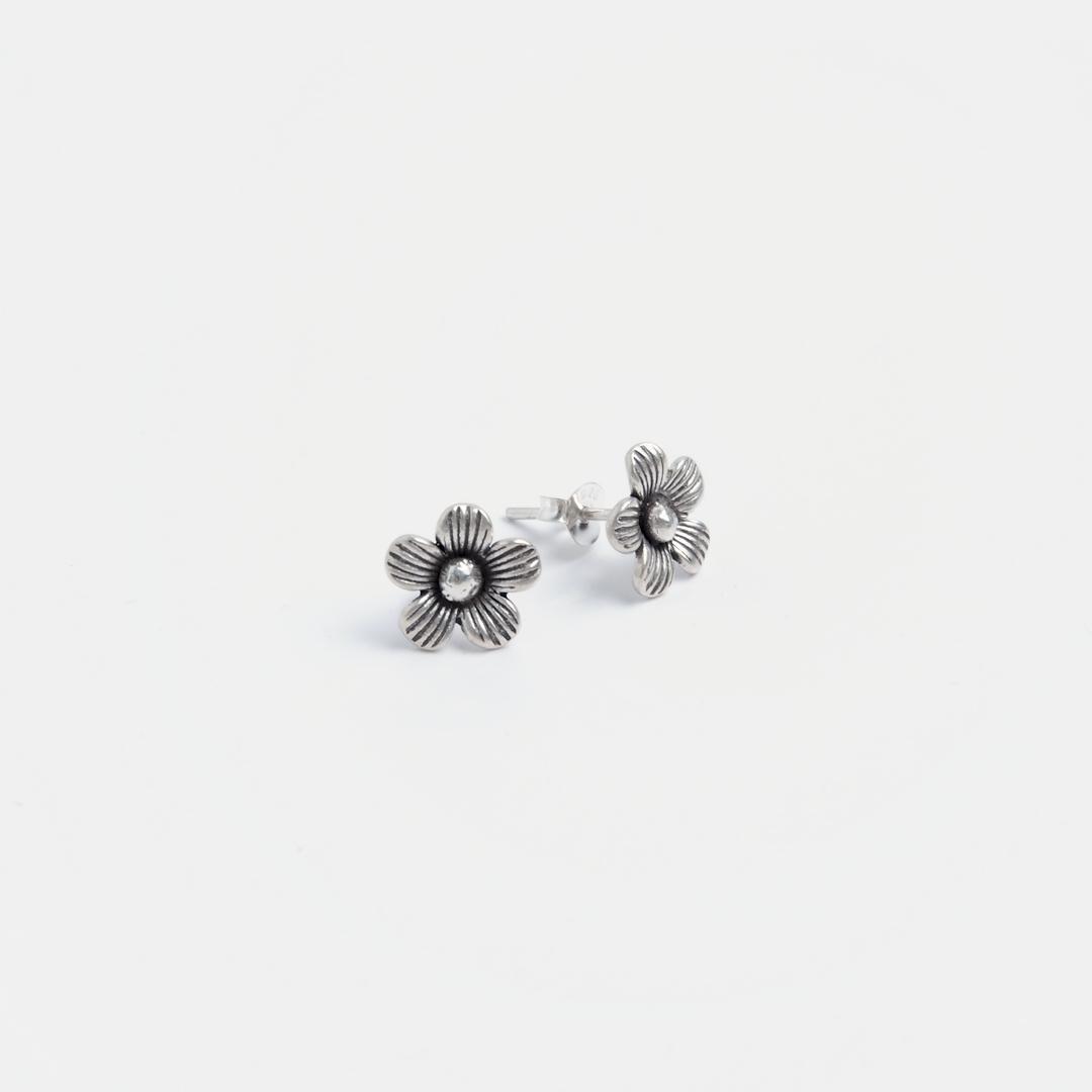 Cercei cu șurub floricică Dao, argint, Thailanda