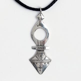 Cruce tuaregă Timia, argint, șnur de piele, Niger
