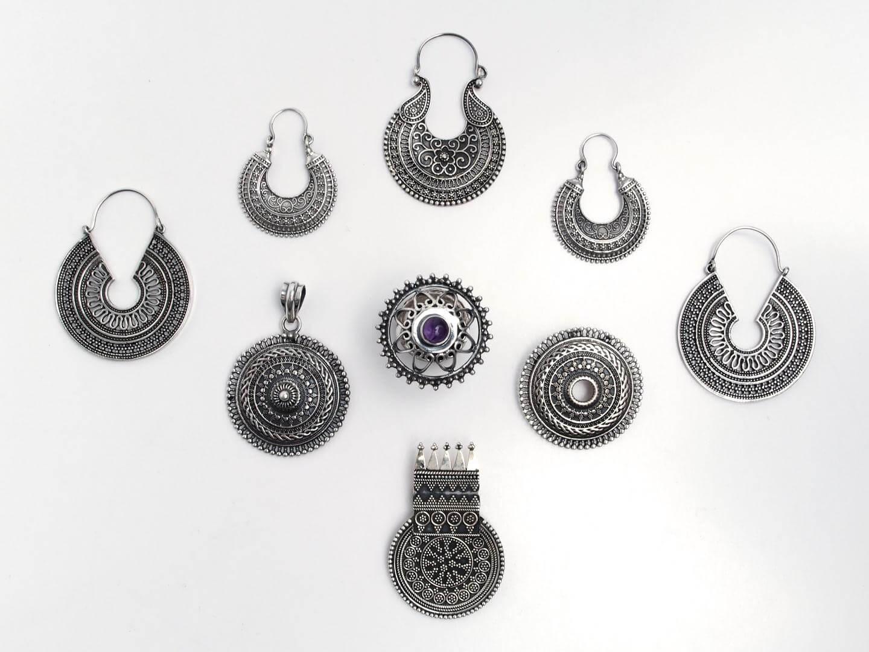Bijuterii din argint lucrate manual în India