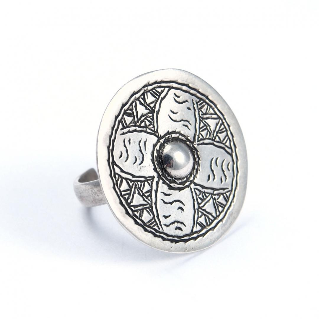 Inel argint, disc gravat floare, Sahara