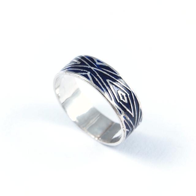 Inel argint și email albastru închis, romburi, India