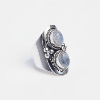 Inel din argint și piatra lunii Chanda, India