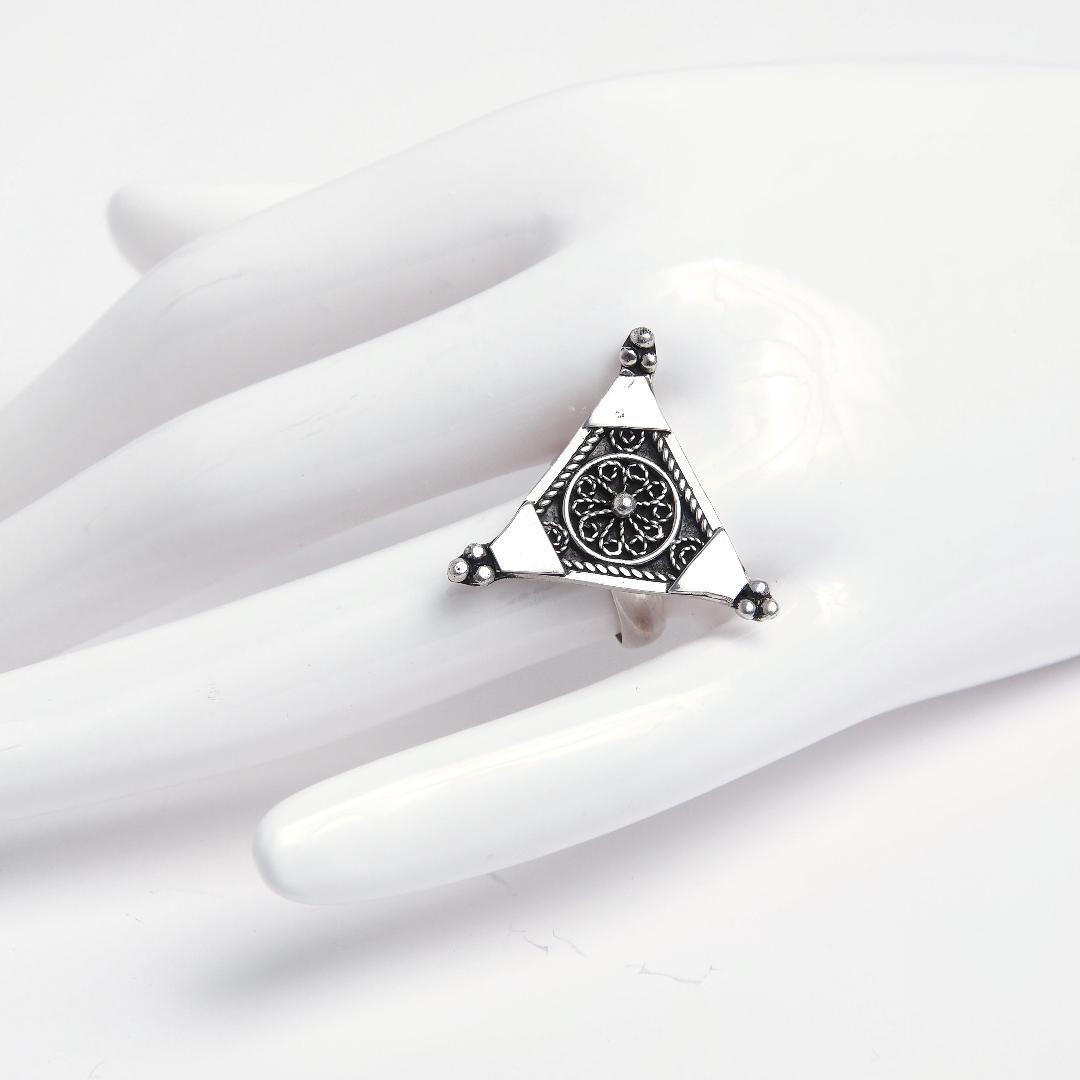 Inel din argint simbolul feminității Tiznit, Maroc