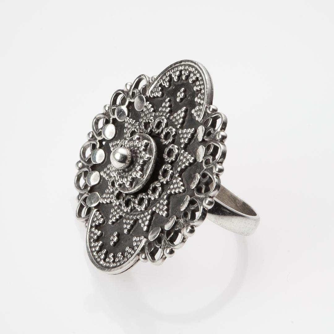 Inel floare mare, granulație, argint oxidat, India