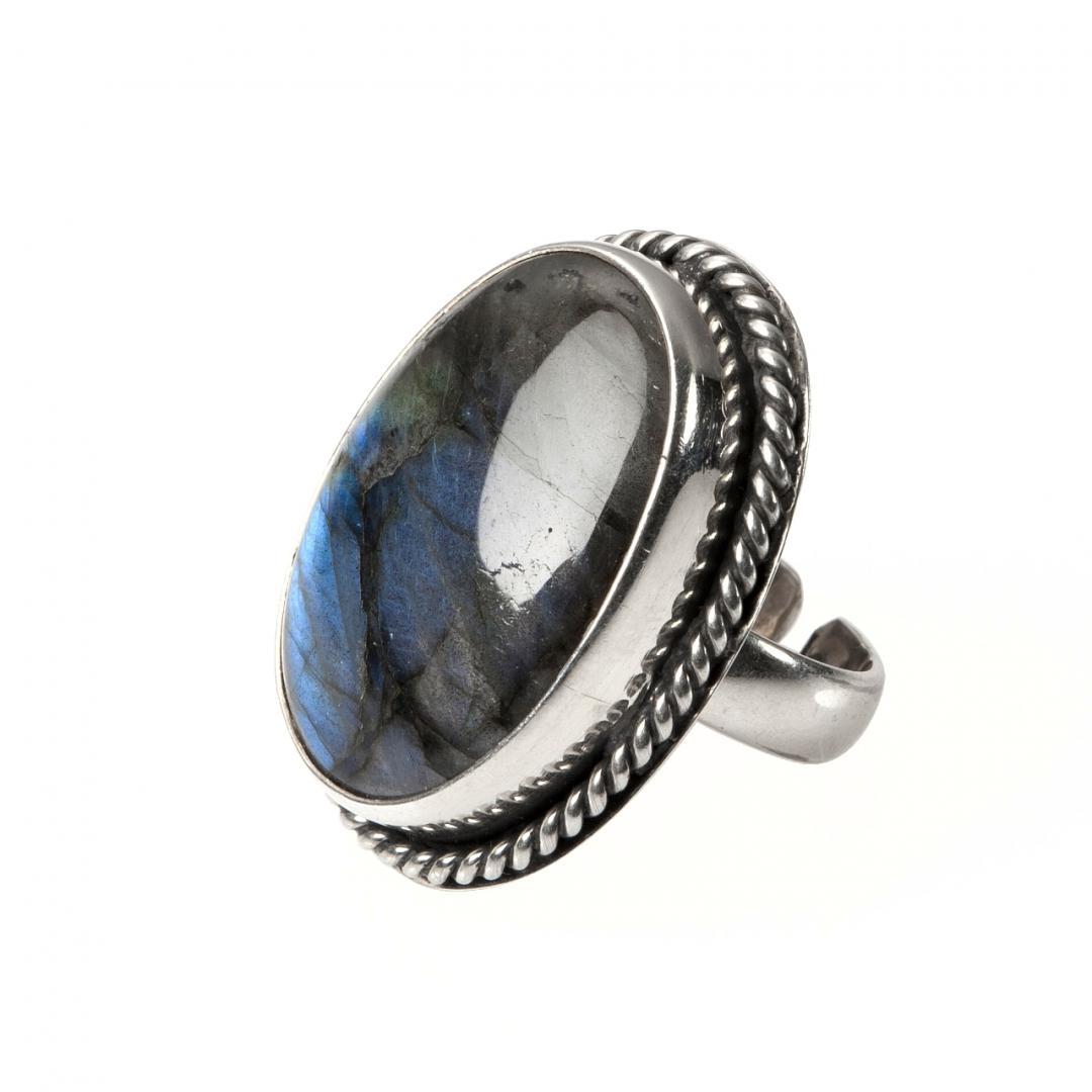 Inel oval, argint și labradorit, India