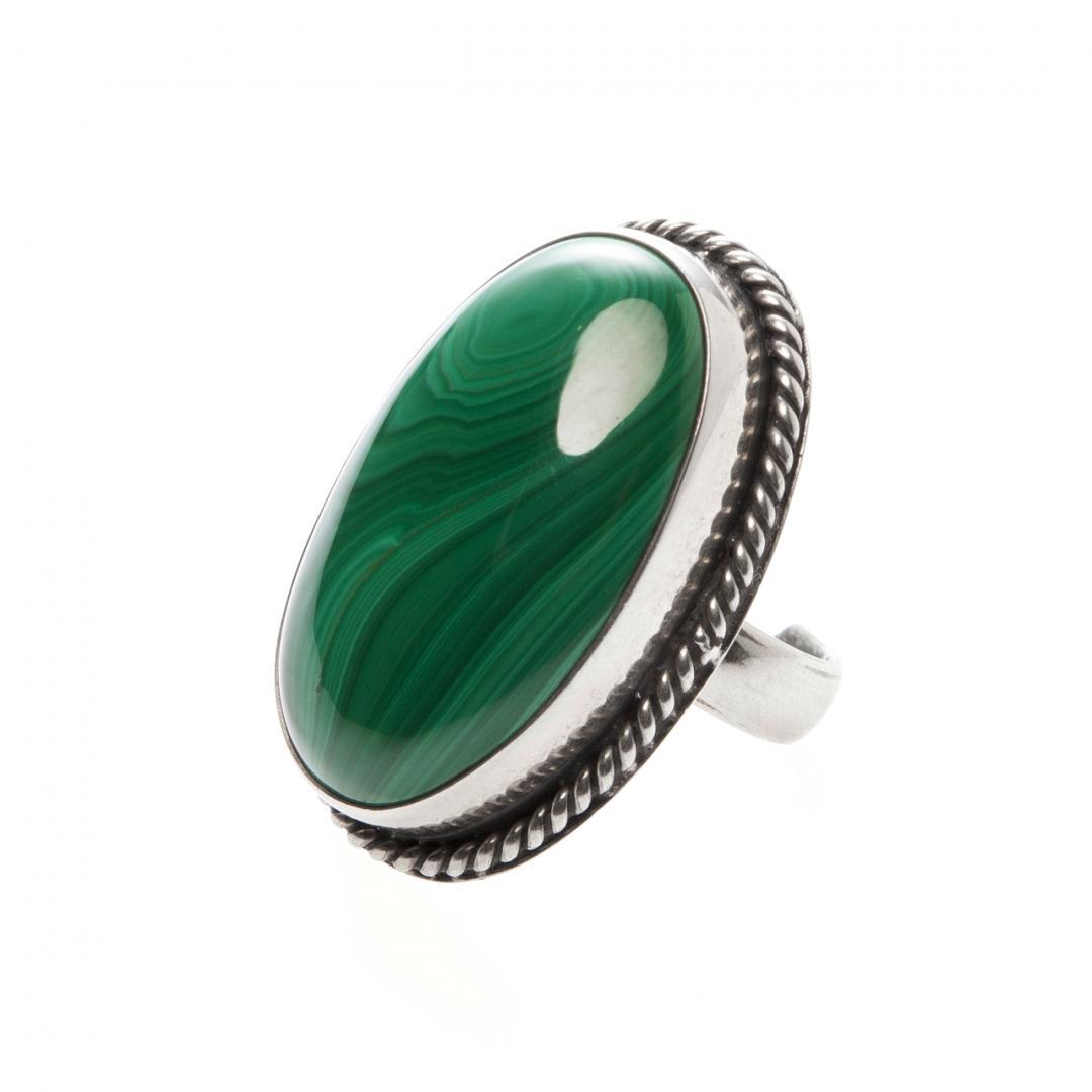 Inel oval I, argint și malachit, India