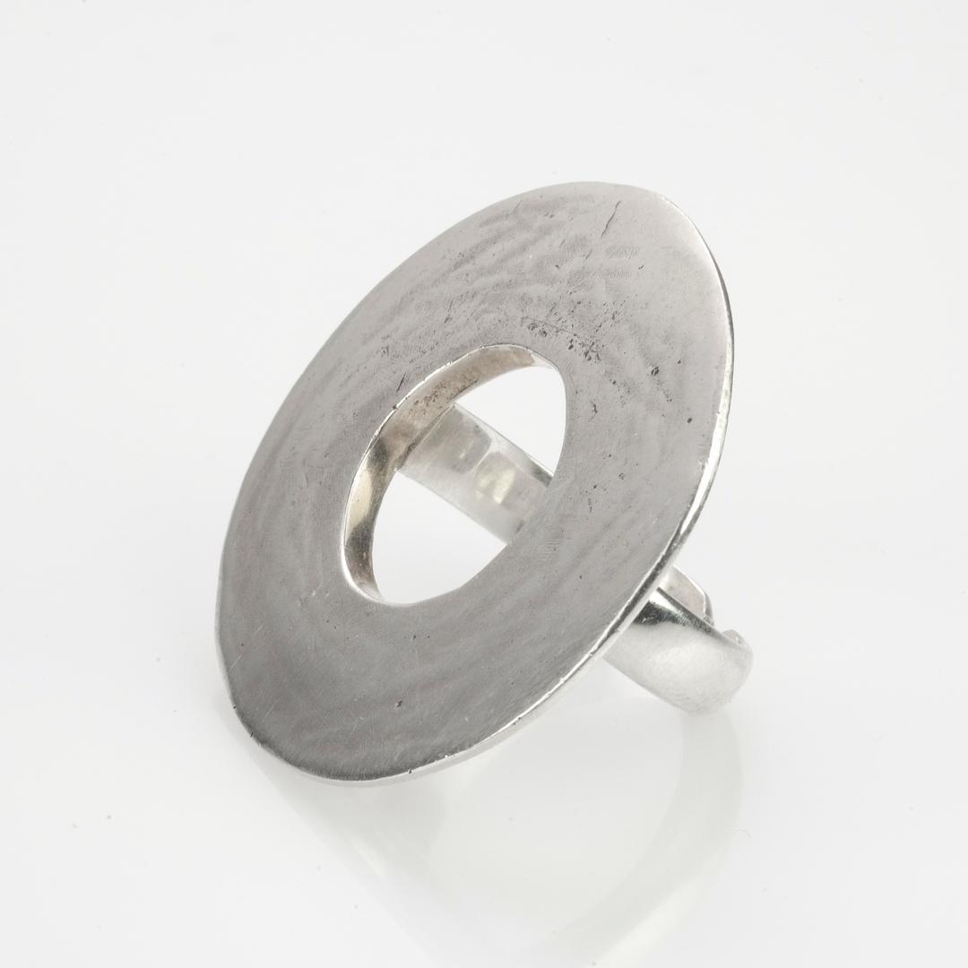 Inel rotund, plat, argint, India