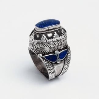 Inel statement argint și lapis lazuli, Afganistan