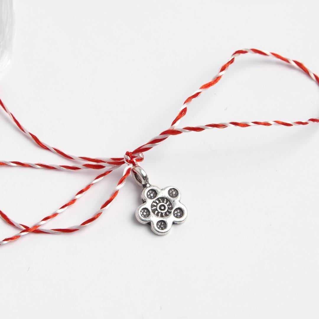 Mărțișor floricică cu cinci petale din argint