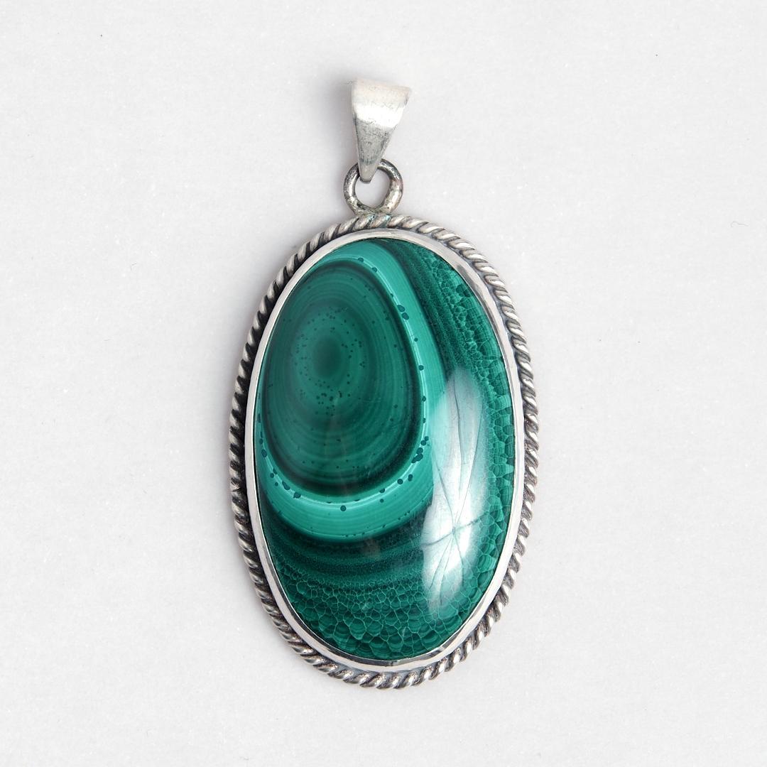 Medalion oval Charu, argint și malachit, India
