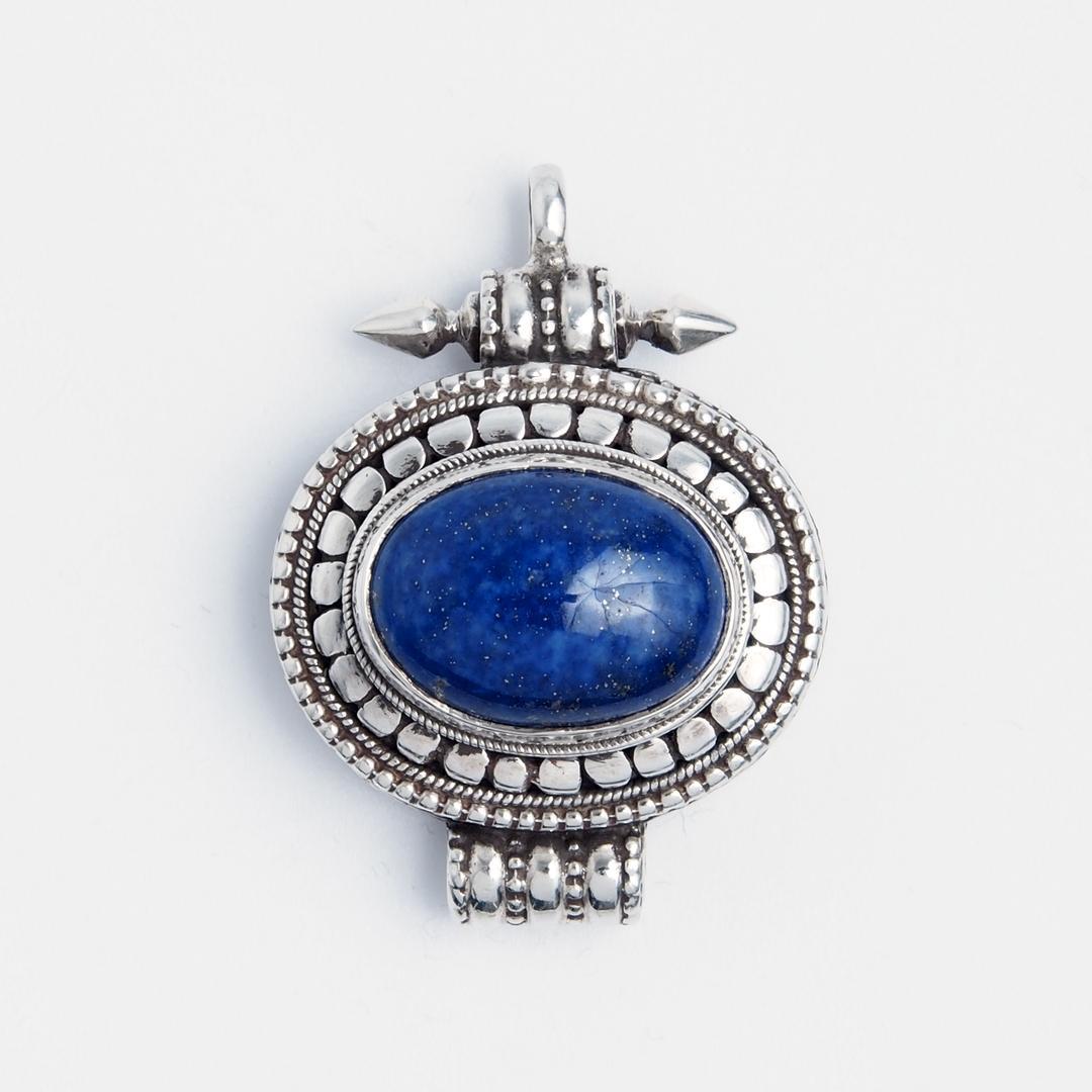 Pandantiv amuletă cutiuță tibetană Gao, argint și lapis lazuli, Nepal