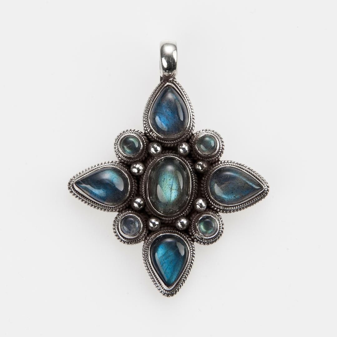 Pandantiv amuletă mandala, argint și labradorit, Nepal