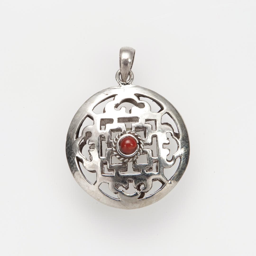 Pandantiv amuletă mandala două fețe, argint, coral și turcoaz, Nepal