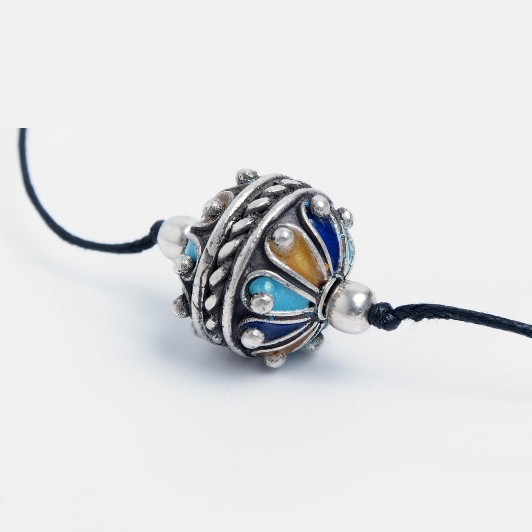 Pandantiv amuletă taguemmout mic, argint și email, Maroc